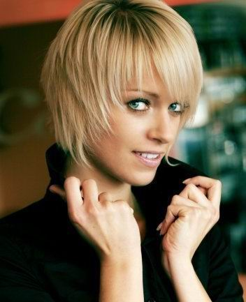 celebrity short blonde haircut trendy 2010 short hairstyles with bangs