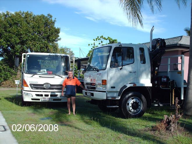 24/7 Hire trucks