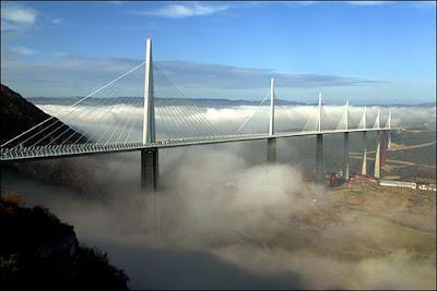 Jembatan millau (perancis): jembatan tertinggi di dunia