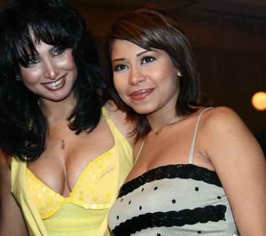 http://3.bp.blogspot.com/_x4wNySecnJQ/S-eP7MN56uI/AAAAAAAAJkA/Si_NABZLFAU/s1600/Beautiful+Arab+Girls+6-760123.jpg
