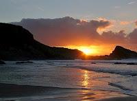O mistério de um pôr-do-sol faz-nos sonhar com os sentimentos mais belos que guardamos dentro de cada um de nós
