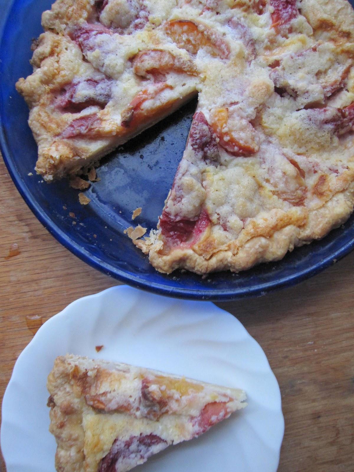 The Scratch Patch: Peach and Crème Fraîche Pie
