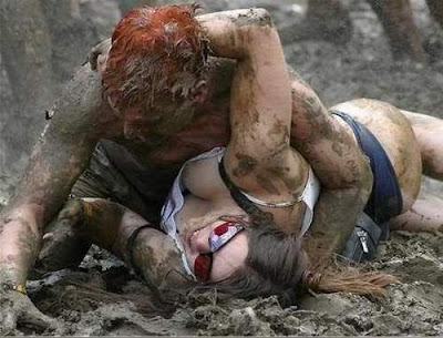 Hot and Wet Girls Pictures | Hot And Wet Szey Girls Mud Fighting Pictures