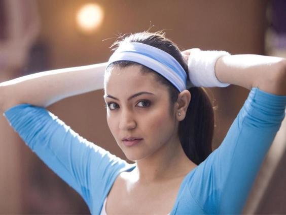 anushka sharma hot. dresses Anushka Sharma Hot