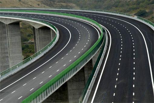 Resultado de imagem para estradas e viadutos em portugal