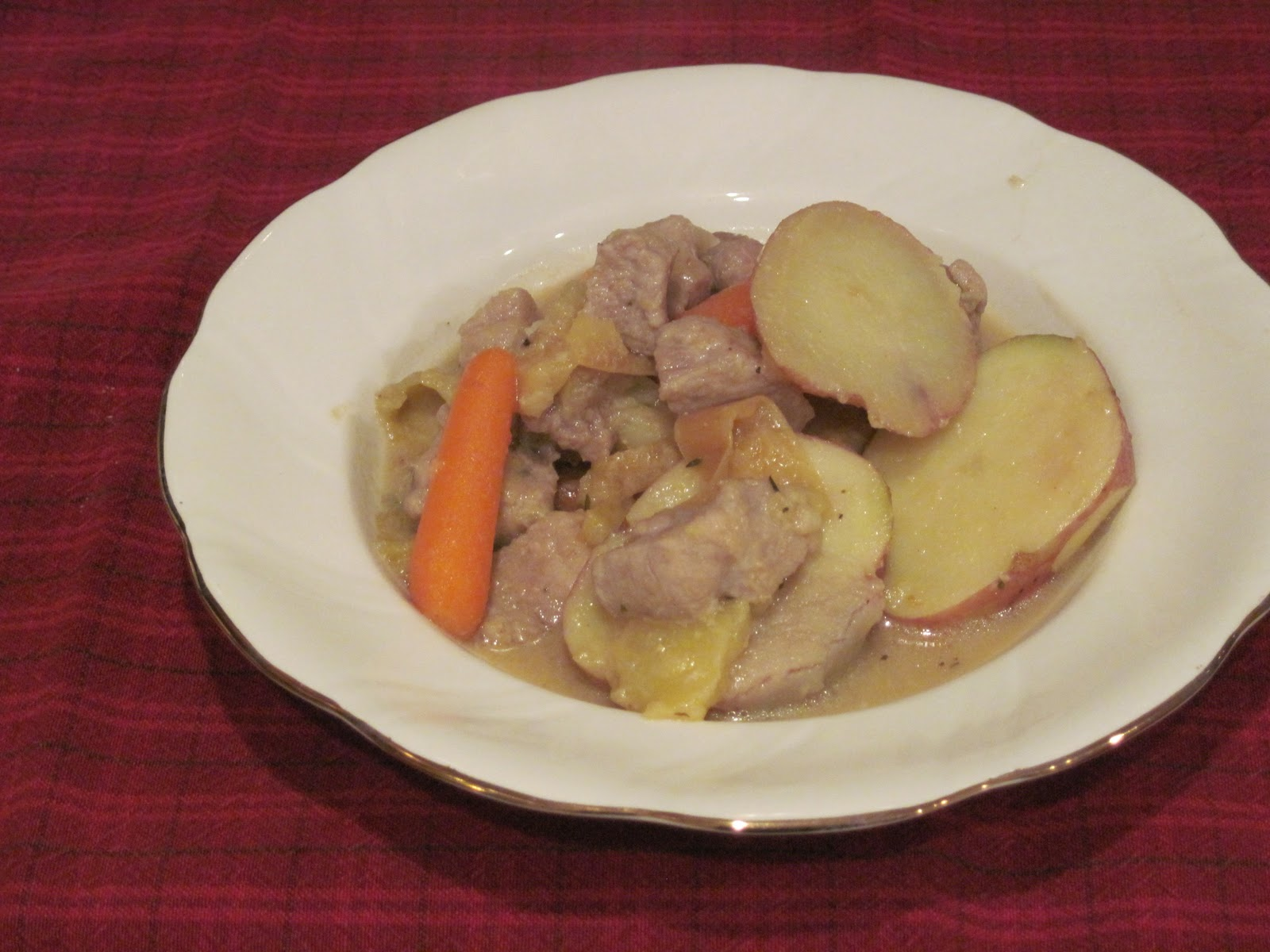 Mum in Bloom ~: Braised Pork and Apple Stew