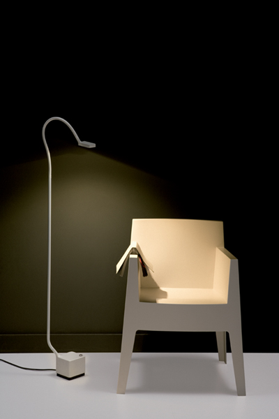 Living in designland mamba luz de lectura - Luces de lectura ...