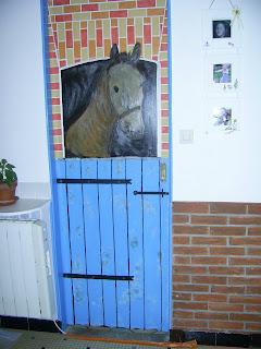 Bricolage de r cup cheval en trompe oeil sur porte int rieure for Trompe oeil porte ancienne