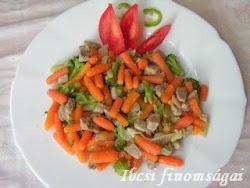 Csirkemell roppanós zöldségekkel