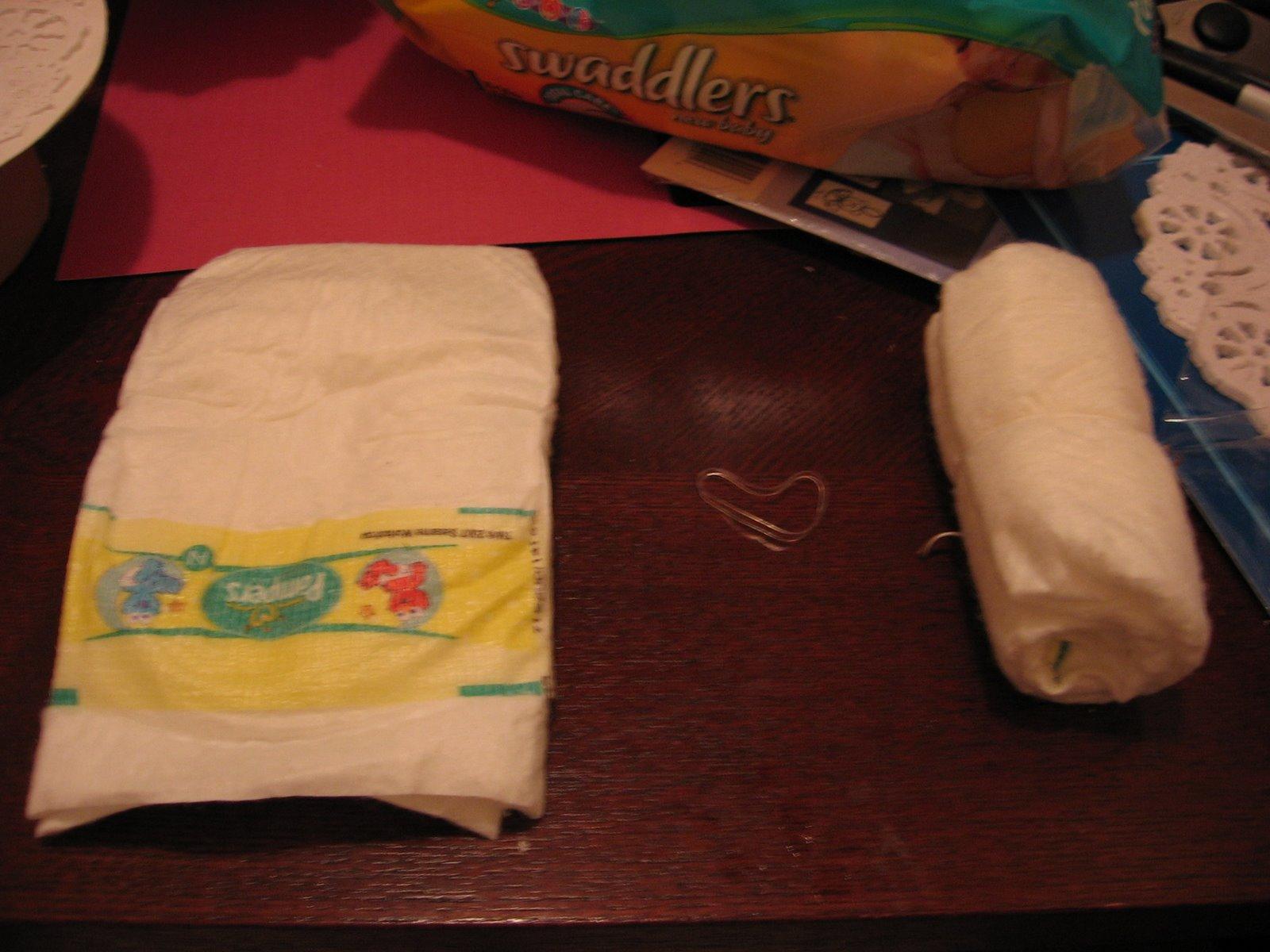 http://3.bp.blogspot.com/_xCsa03jgeNM/TQjcQIJWlhI/AAAAAAAAAW0/ncoLAbSJGZY/s1600/diaper+cakes+idea.JPG