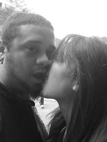 E eu te amo,e amo e amo... mais do que meu coração pode suportar.♥
