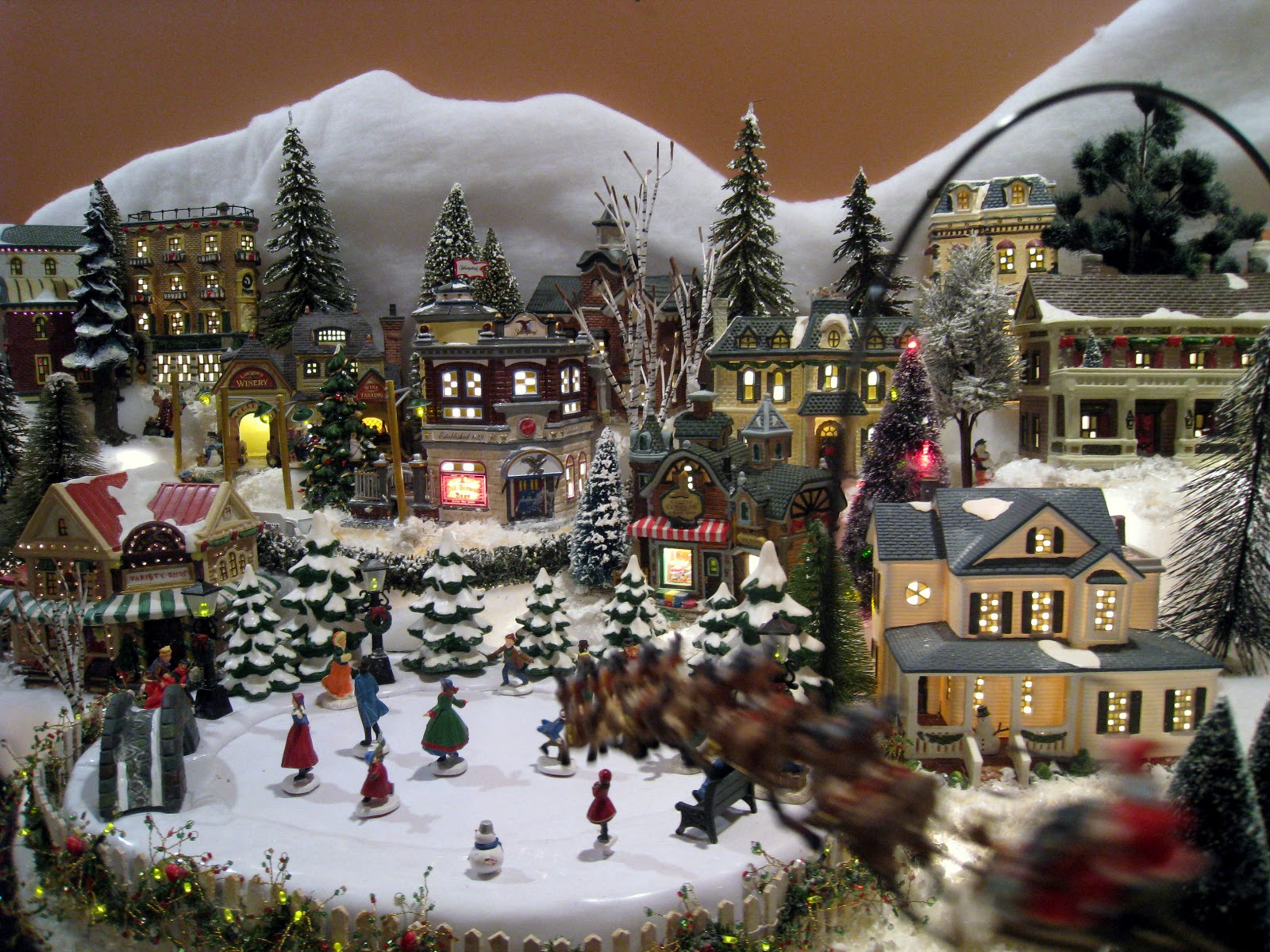 212 best Christmas Village ideas images on Pinterest | Christmas ...