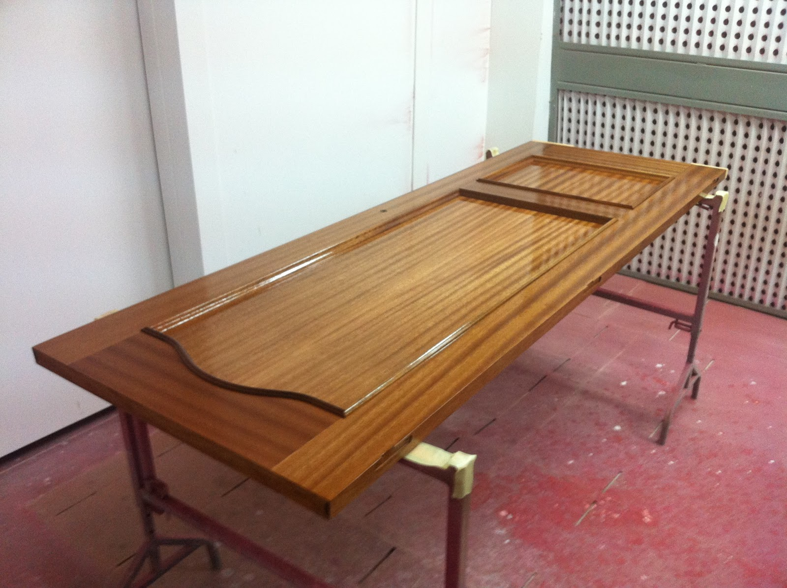 Carpinteria comercial en santa pola elche alicante for Pintar muebles barnizados