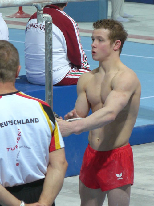 Sex olympic gymnastics and weightlifting - 5 2