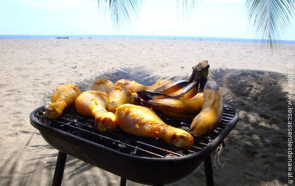 les casseroles de nawal banane plantain ou banane farine sur le grill. Black Bedroom Furniture Sets. Home Design Ideas
