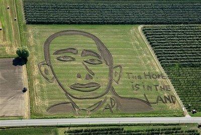 [obama_crop_circle.jpg]