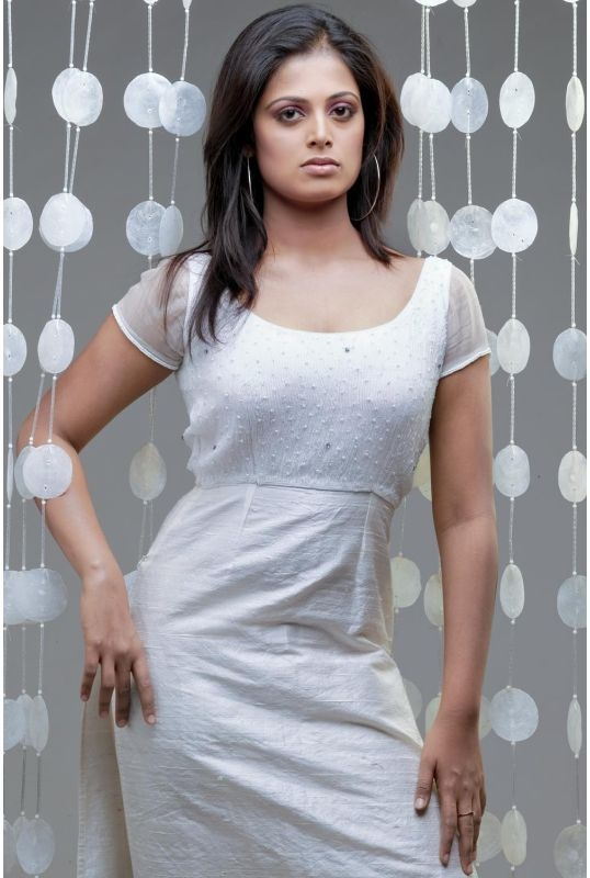 , Sindhu Menon Hot Photoshoot Pics
