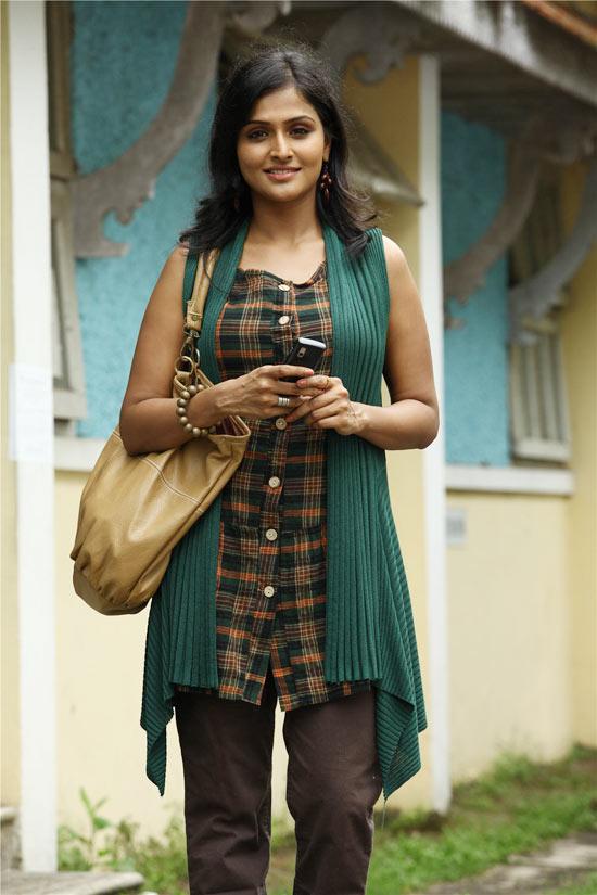 Malayalam Actress Remya Nambeesan  stlls,Malayalam Actress Remya Nambeesan  images,http://rkwebdirectory.com