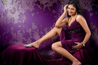 Haripriya  Hot Photos navel show