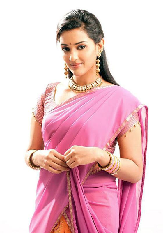 South indian actress Ragini Shetty Latest Stills  U wallpapers