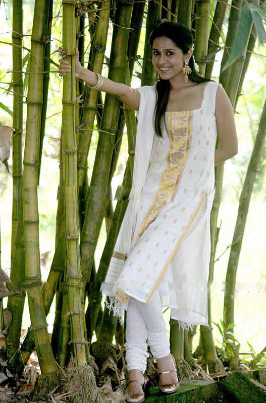 Ranjini Haridas Rare Photos cleavage