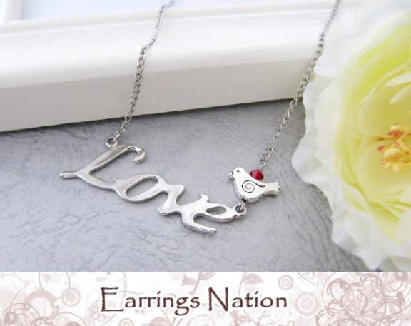 Love Necklace on Is Offering This Cute Love Necklace To One Lucky Reader To Be In The