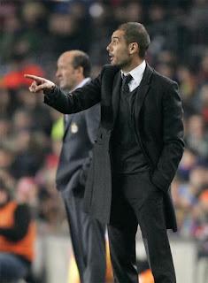 Pep Guardiola dirigiendo al FC Barcelona. Todas las claves en entrenadornacional.com, direccion de equipos de futbol