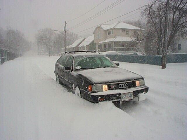 2010 Audi 200 Avant photo - 1