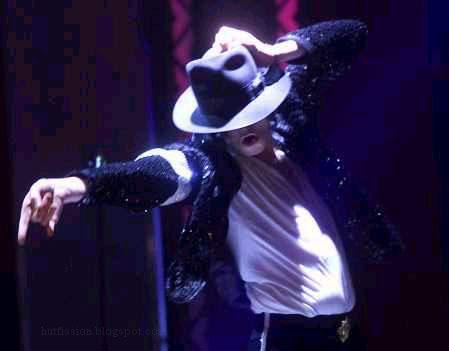 http://3.bp.blogspot.com/_xH2hEmPW-mY/TKavjuLRVyI/AAAAAAAAAec/PiqRLN0w43w/s1600/michael-jackson-white-undershirt-and-fedora.jpg