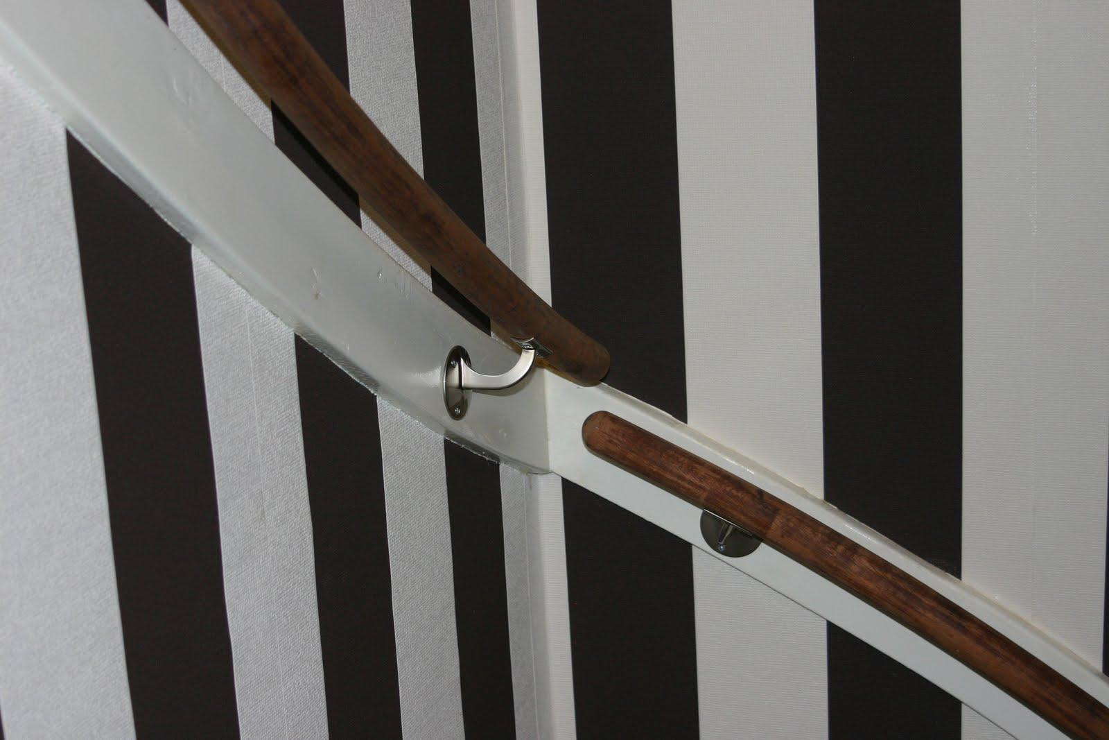 Casa victoria behang in traphuis 1 op 1 for Behang trapgat
