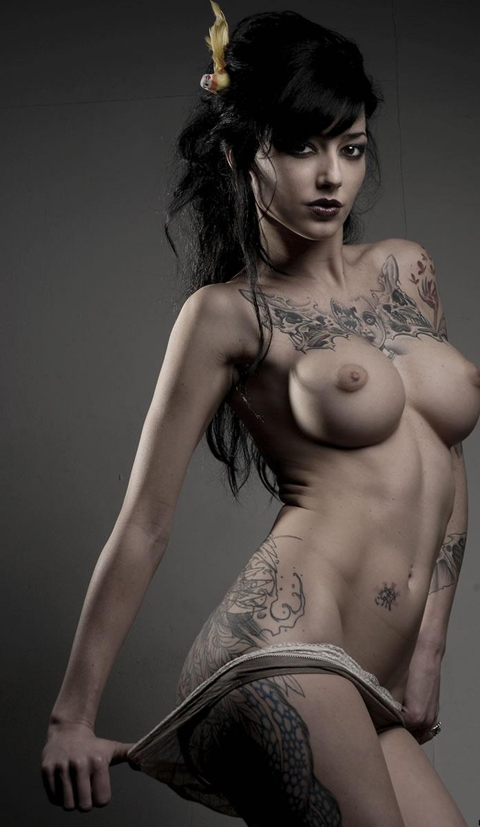 naked tattoo girl