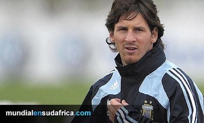 Lesion de Messi en entrenamiento de Argentina causa preocupación; en duda su presencia ante Canadá