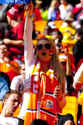 Fotos Holanda 2 vs Dinamarca 0, rubias, goles y sol en la victoria de los Leones de Naranja