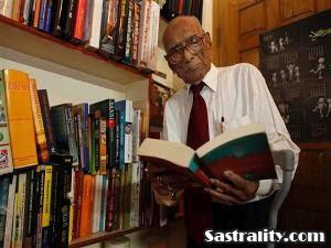 http://3.bp.blogspot.com/_xJRQ2fueXbY/TMRuMqw-rMI/AAAAAAAAFGo/592ZchPYKWc/s400/kakek-berusia-100-tahun-kembali-ke-sekolah.jpg