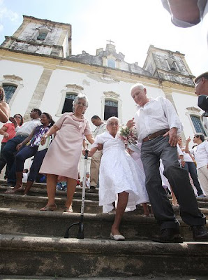 Dona Canô, aniversário de 102 anos em Santo Amaro