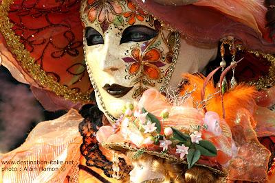 destination venise les masques du carnaval de venise 2 un festival d 39 orange. Black Bedroom Furniture Sets. Home Design Ideas