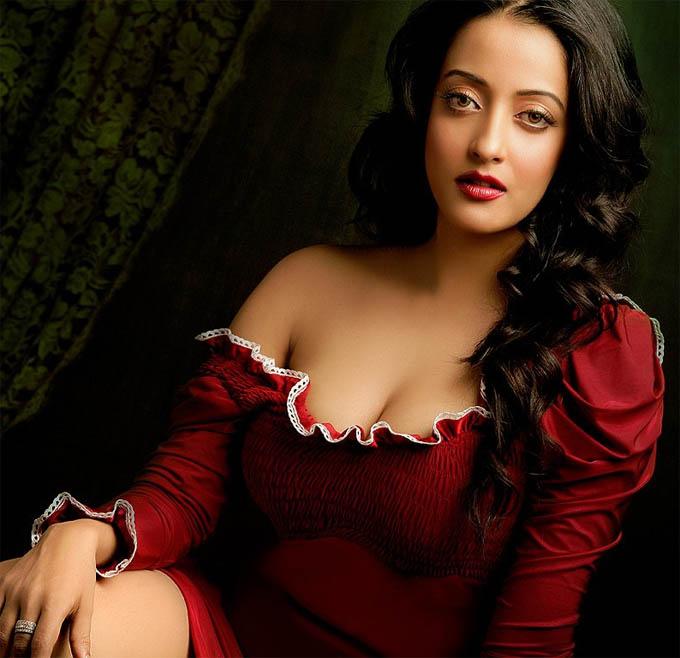 Dark and lovely sexy black girl nice body perky tits