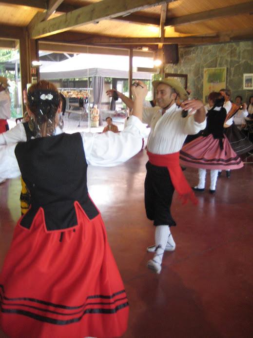L'Ángel de Becerril de la Sierra dansant i repicant les castanyoles a Malla