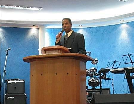 Rev. Marcos Barbosa