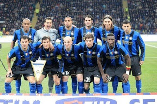 Foto pemain Inter Milan saat derby melawan AC Milan