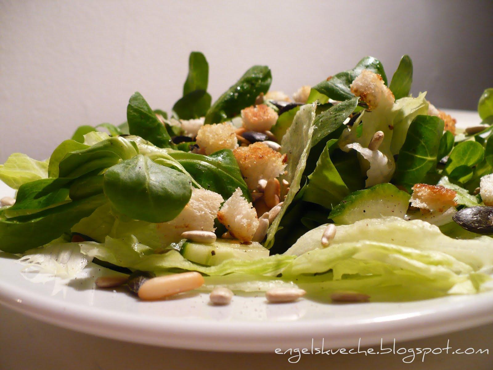 Essen aus Engelchens Küche: Pimp my Salad: Grüner Salat mit Kernen ...