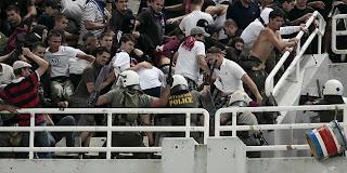 Hooliganisme Policija_torcida_t_337427S1