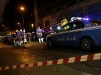 Hooliganisme Napoli_scontri_100685_foto