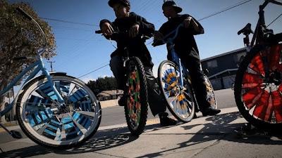 Scrapertown - Inspirational Scraper Bike Video
