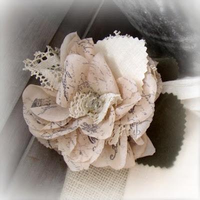 http://3.bp.blogspot.com/_xRO2YHYay6Y/S3HGwud5O1I/AAAAAAAAA8g/YDePsg7RRmU/s400/paris_rosette_plain_B.jpg