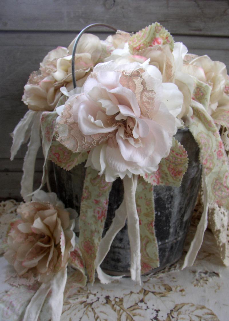 http://3.bp.blogspot.com/_xRO2YHYay6Y/TD_ARjbbZAI/AAAAAAAABnI/-u_ybdL5fmk/s1600/rosette_c.jpg