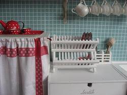 Ta en titt på barnens lilla kök