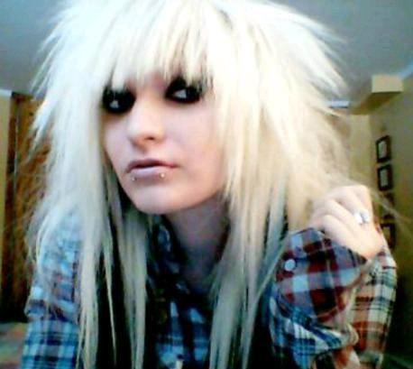 a typical Emo hairstyle. girls emo hair emo hair medium length emo hair