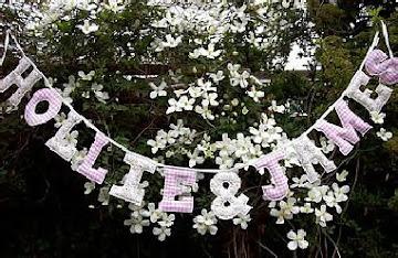 gingham & floral garland