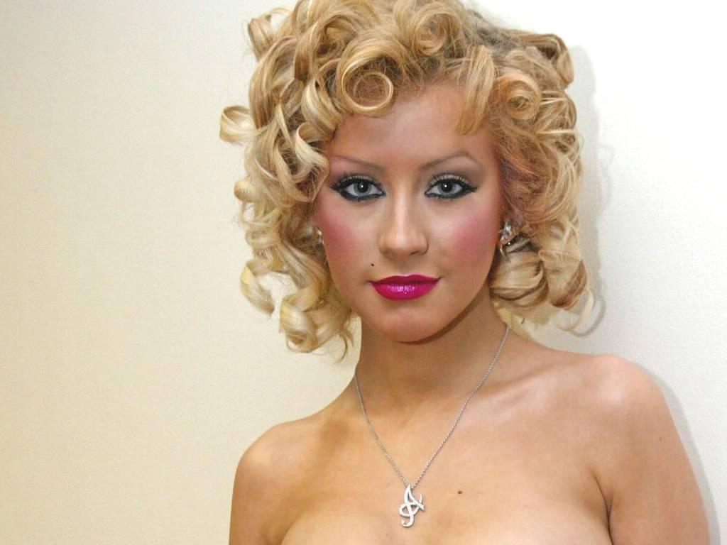 http://3.bp.blogspot.com/_xVDr6U9qpd0/TBjQrElkndI/AAAAAAAABbI/VmfR0P1XWFw/s1600/Christina-Aguilera-186.JPG